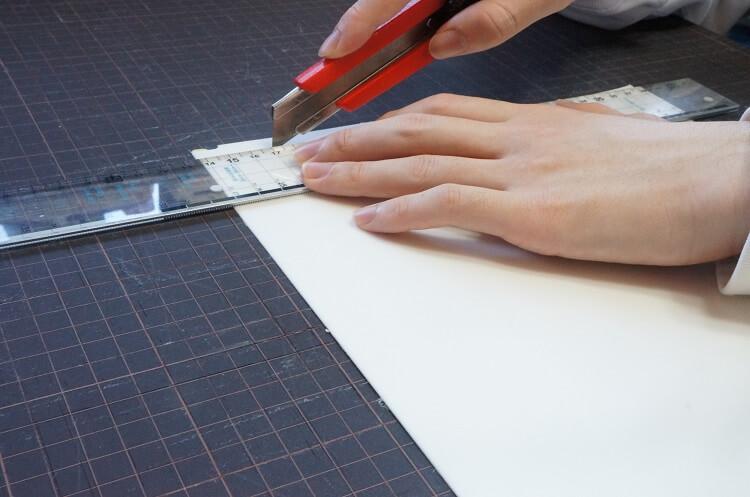 手作り布バッグの補強に最適、底じき(底板)の選び方