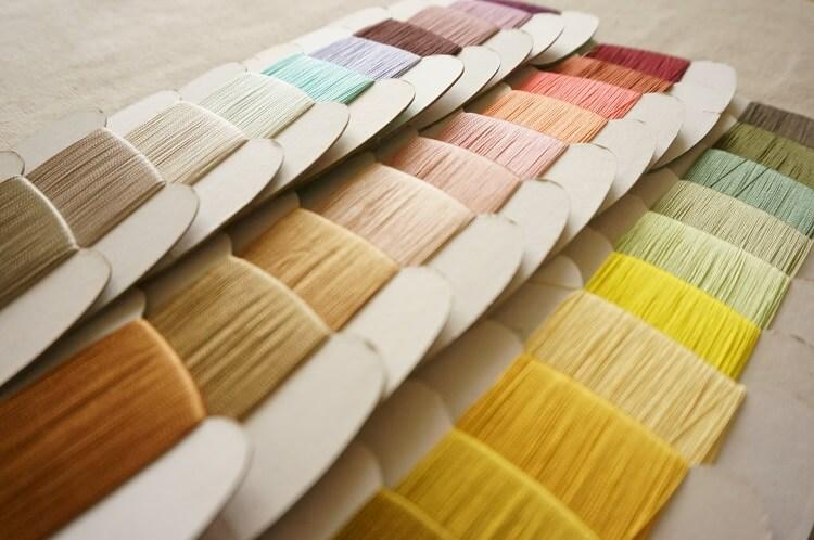 「左利き」の人は、ミシン糸で手縫いした方がいいって本当なの?
