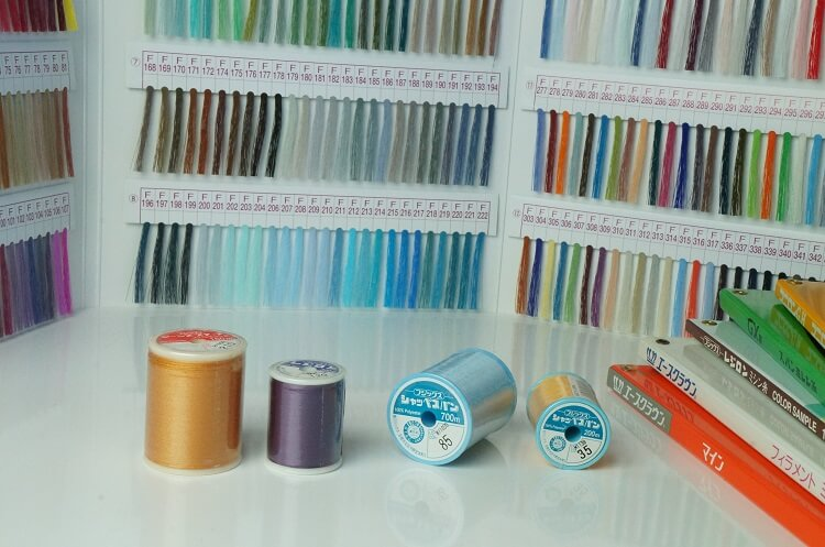 家庭用ミシン糸の種類と選び方
