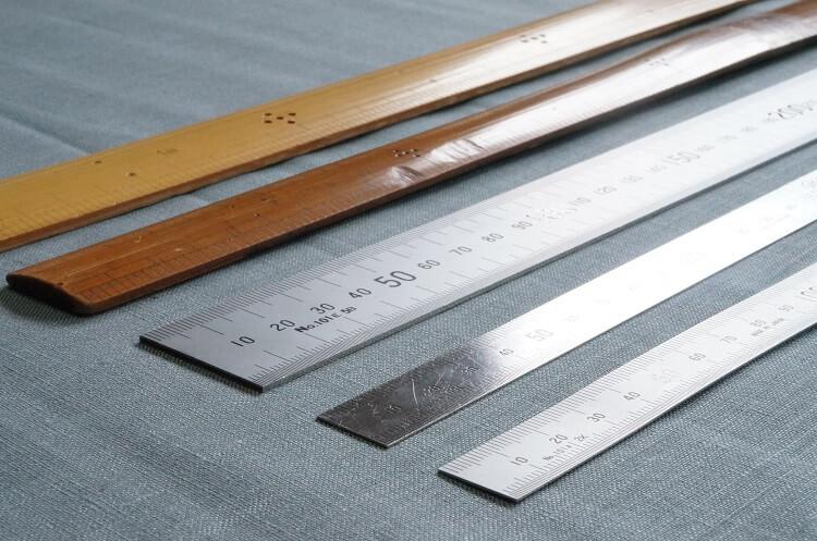手芸に便利なおすすめ定規「竹尺・金尺・プラスチック定規」の使い分け