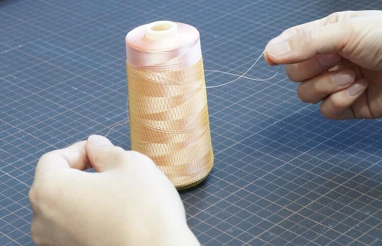 工業用ミシン糸(コーン巻き)糸端の止め方
