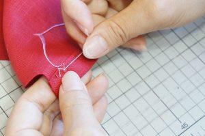 スカート、ズボン、ジャージの裾上げ方法、まつり縫いはこれで完璧!