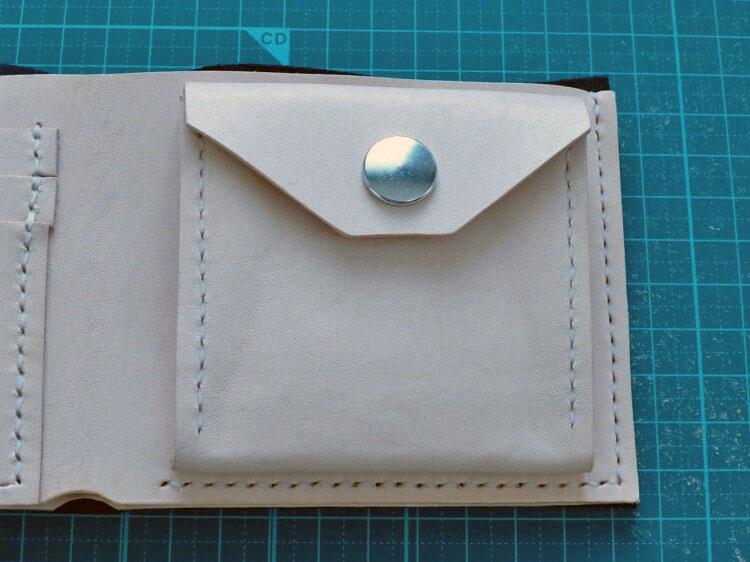 加工組立(2つ折り財布)