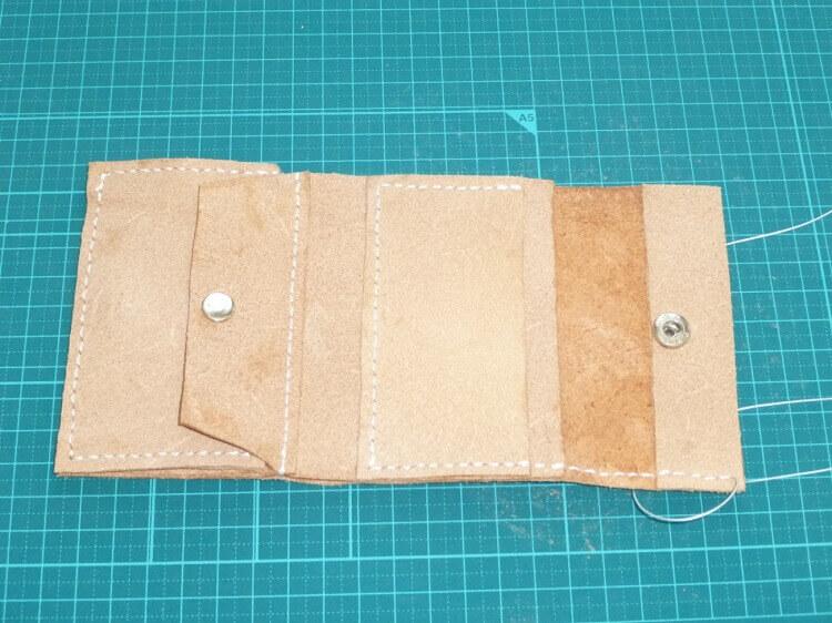 三つ折り財布の作り方(バネホック付け)