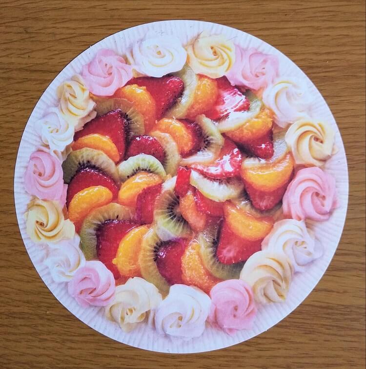 フルーツケーキのガーランド